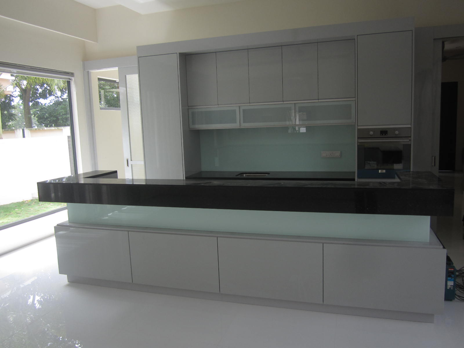 Wonderful Modern High Gloss White Kitchen Cabinets 1600 x 1200 · 120 kB · jpeg