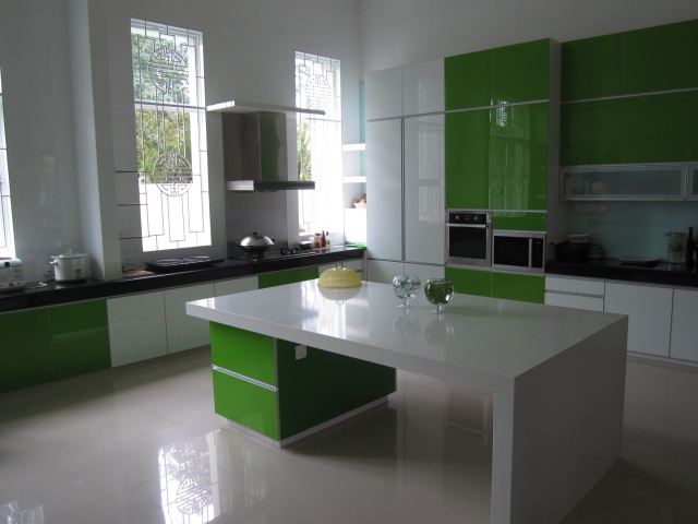 Picture of modern green kitchen cabinets