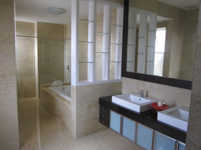 Master bathroom cabinet design for Bathroom designs malaysia