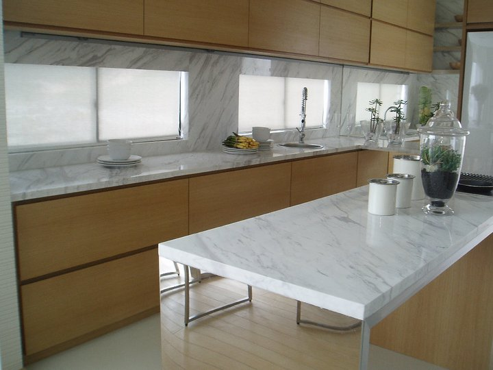 Marble Countertop And Backsplash